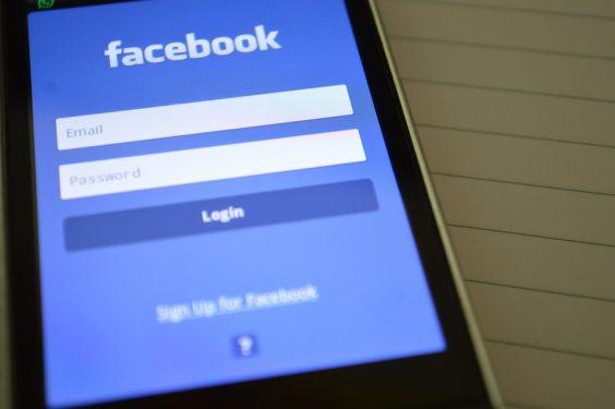 Facebook et la gestion du profil des utilisateurs décédés