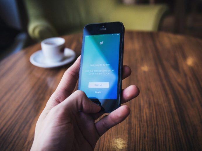 Twitter lutte officiellement contre la désinformation
